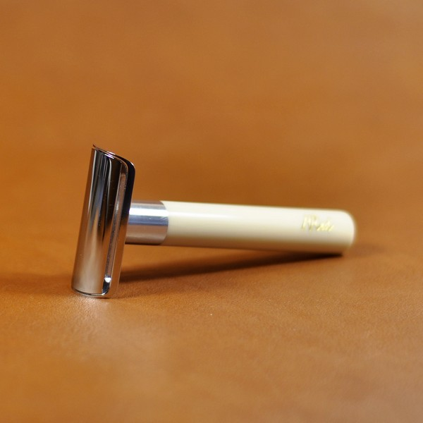 rasoir-de-securite-artisanal-mred-manche-resine-ivoire