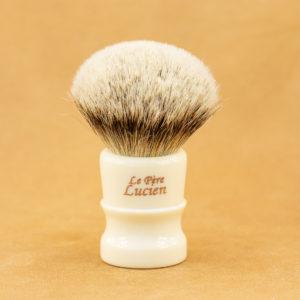 blaireau-mred-le-pere-lucien-24mm-hmw-sur-resine-ivoire