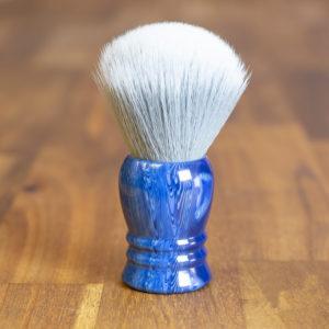blaireau-vintage-28mm-synthetique-bulb-sur-resine-bleue
