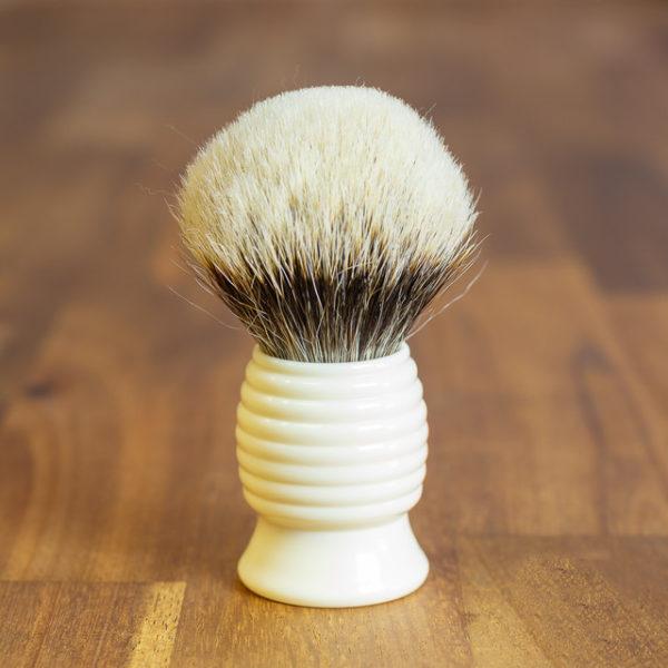 blaireau-vintage-28mm-finest-bulb-sur-resine