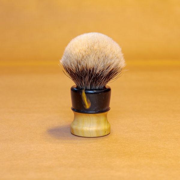 blaireau-mred-lpl-26mm-finest-bulb-sur-oranger-résine-noire-dorée