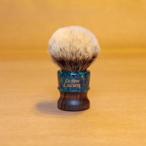 blaireau-mred-lpl-26mm-finest-bulb-sur-black-limba-résine-verte-dorée