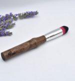 pinceau-de-maquillage-manche-en-bois-rose-noir-le-pere-lucien